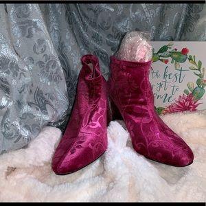 LulaRoe bright Pink high heels. Size 8.5